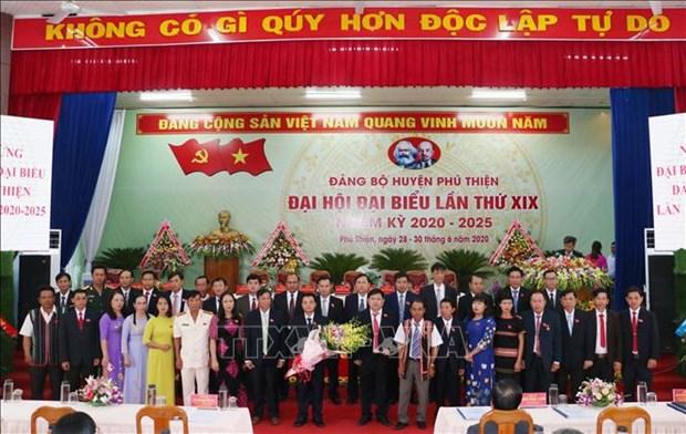 Tien toi Dai hoi XIII cua Dang: Phu Thien phan dau nam 2025 tro thanh huyen nong thon moi hinh anh 3