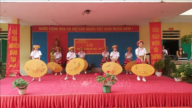 Nam hoc moi ve voi Ha Giang - tinh cuc Bac cua To quoc hinh anh 4
