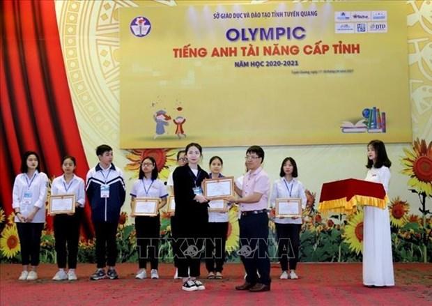 """Nha khoa hoc"" tre cua Truong Pho thong Tuyen Quang hinh anh 2"