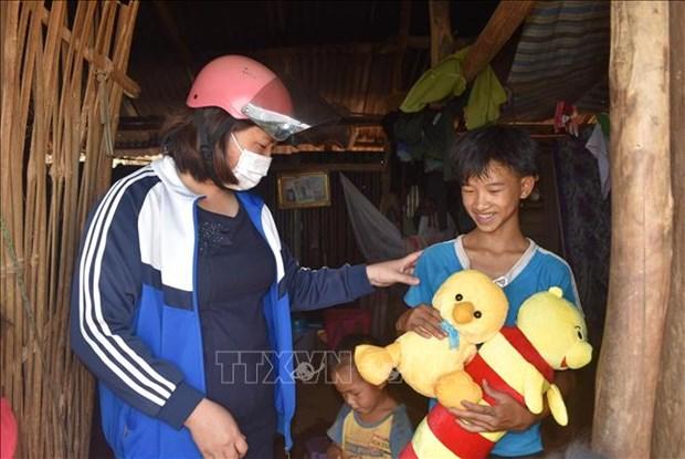 Co giao tre Huynh Thi Thuy Dung het long vi hoc sinh dan toc thieu so o xa Dak Nang hinh anh 2