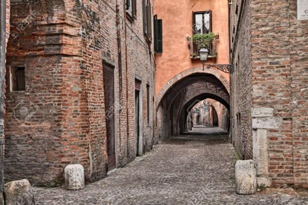 UNESCO cong nhan hon 10 cong vom thoi Trung co cua Italy la di san the gioi hinh anh 1