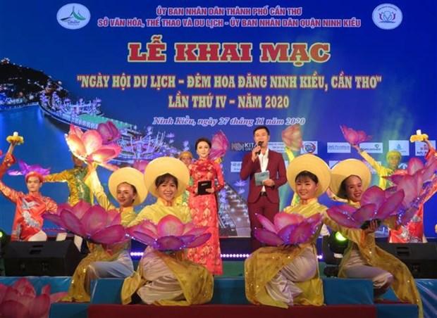 """Khai mac """"Ngay hoi du lich - Dem hoa dang Ninh Kieu, Can Tho"""" lan thu IV nam 2020 hinh anh 1"""