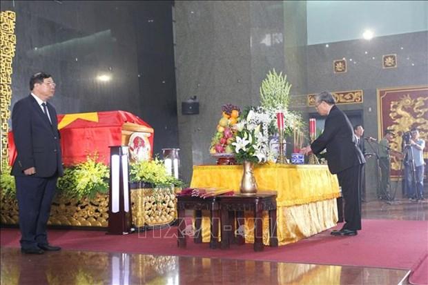 Cu hanh trong the Le truy dieu va an tang dong chi Tran Quoc Huong hinh anh 3
