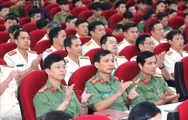 Giao luu dien hinh tien tien Cong an nhan dan va cac nha bao tieu bieu cua Thong tan xa Viet Nam hinh anh 13
