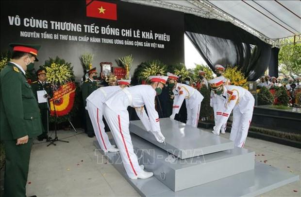 Le truy dieu va an tang nguyen Tong Bi thu Le Kha Phieu hinh anh 35