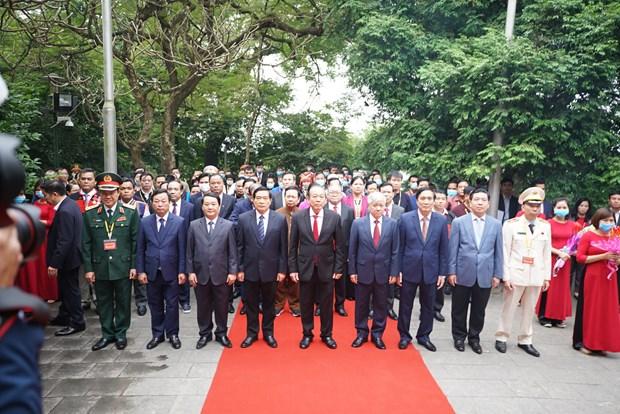Doan dai bieu du Dai hoi dai bieu toan quoc cac dan toc thieu so Viet Nam lan thu II dang huong tuong niem cac Vua Hung hinh anh 2