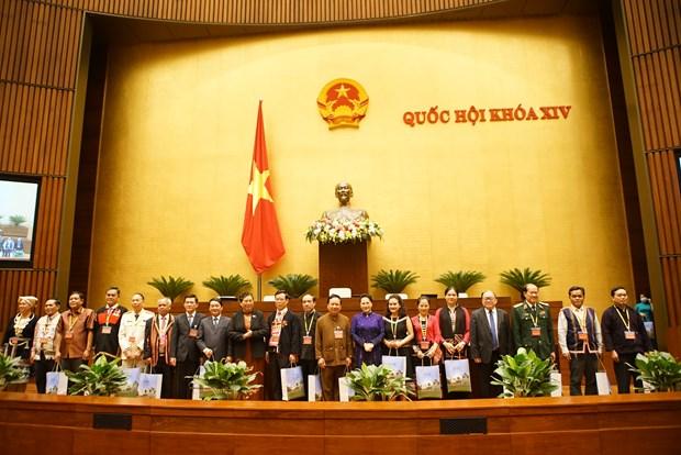 Chu tich Quoc hoi Nguyen Thi Kim Ngan gap mat Doan dai bieu du Dai hoi dai bieu toan quoc cac dan toc thieu so Viet Nam lan thu II hinh anh 9