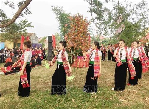 Le hoi Het Cha o Moc Chau huong toi xay dung, bao ve cuoc song hanh phuc cho nguoi dan hinh anh 1