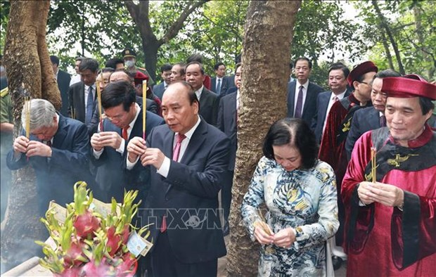 Chu tich nuoc Nguyen Xuan Phuc dang huong tai Le Gio To Hung Vuong nam Tan Suu 2021 hinh anh 12