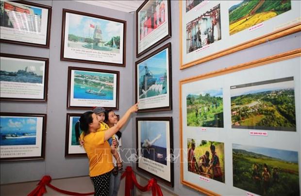 """Quang Tri: Trien lam luu dong """"Hoang Sa, Truong Sa cua Viet Nam - Nhung bang chung lich su va phap ly"""" hinh anh 1"""