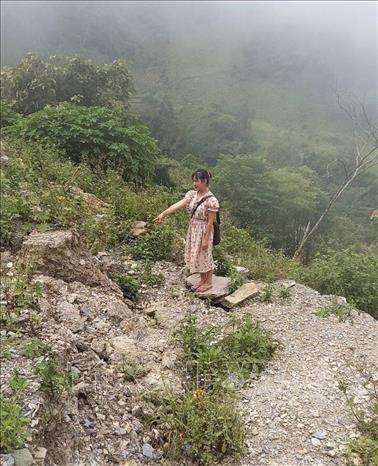 Huyen bien gioi Nam Nhun (Lai Chau) chu dong di doi nguoi dan khoi vung nguy co sat lo hinh anh 2