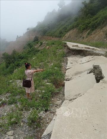 Huyen bien gioi Nam Nhun (Lai Chau) chu dong di doi nguoi dan khoi vung nguy co sat lo hinh anh 3
