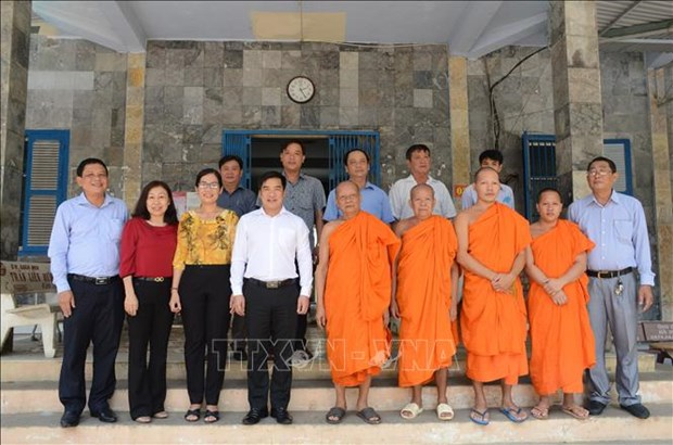 Dong bao Khmer o Soc Trang don le Sene Dolta tren tinh than doan ket, an toan, tiet kiem hinh anh 1