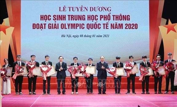 Tuyen duong hoc sinh Trung hoc pho thong doat giai Olympic quoc te nam 2020 hinh anh 1