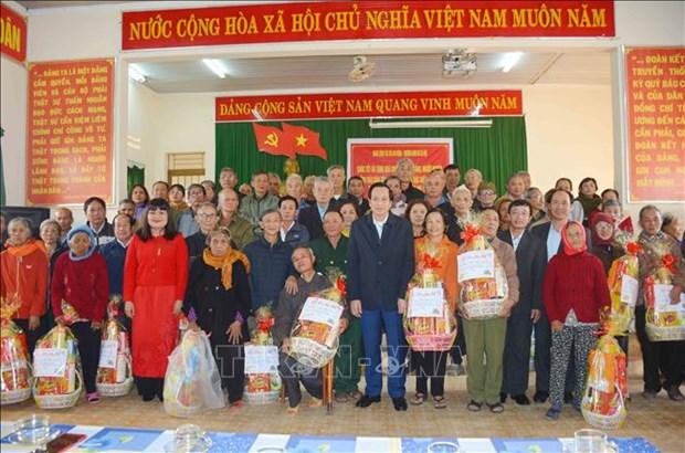 Bo truong Bo Lao dong, Thuong binh va Xa hoi chuc Tet, tang qua tai Dak Lak hinh anh 3