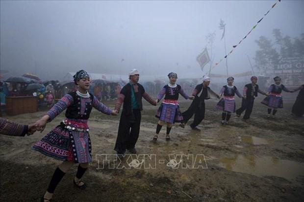 Hoa Binh: Le hoi Gau Tao thu hut duoc hang nghin nguoi tham gia hinh anh 3