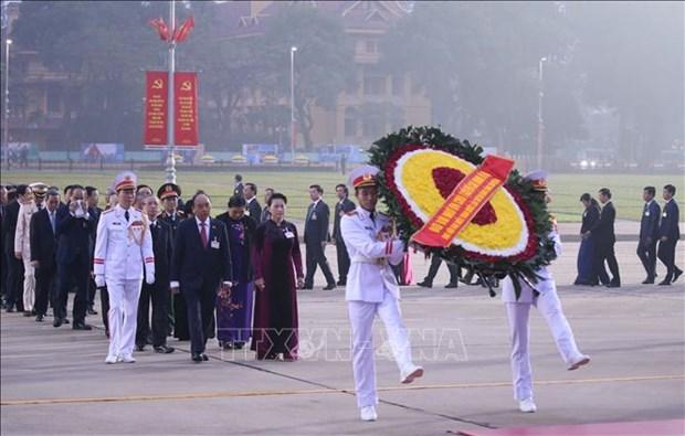 Cac dai bieu du Dai hoi dai bieu toan quoc lan thu XIII cua Dang vieng Chu tich Ho Chi Minh hinh anh 1