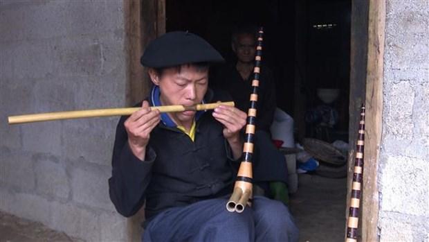 Nhung nguoi gop phan giu gin nghe lam khen Mong tren Cao nguyen da Dong Van hinh anh 3