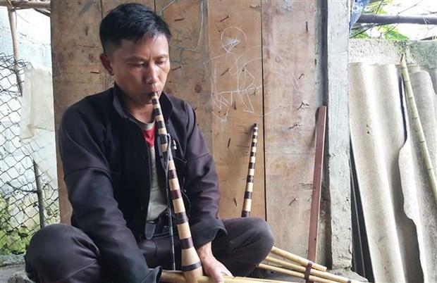Nhung nguoi gop phan giu gin nghe lam khen Mong tren Cao nguyen da Dong Van hinh anh 1