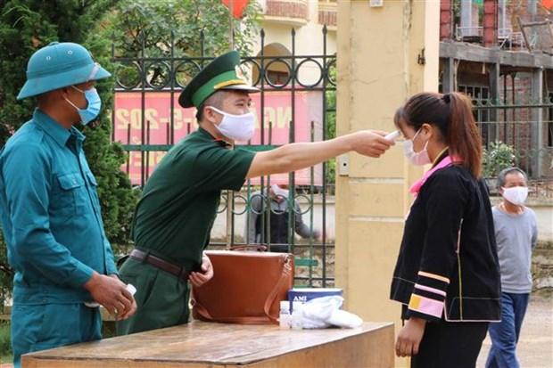 Bo doi Bien phong Lai Chau tang cuong kiem soat bien gioi, ngan ngua nguy co dich COVID-19 hinh anh 4