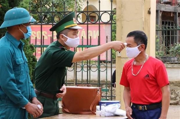 Bo doi Bien phong Lai Chau tang cuong kiem soat bien gioi, ngan ngua nguy co dich COVID-19 hinh anh 5