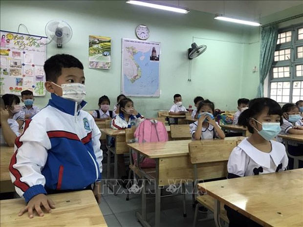 Nam hoc 2021-2022: Hoc sinh tinh Kon Tum bat dau den truong tu ngay 20/9 hinh anh 2