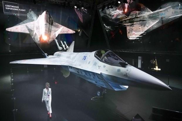 រសស បងហាញយនតហោះចមបាងថម ដើមបបរជែងយនតហោះចមបាង អាមេរក F-35 hinh anh 1