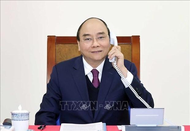 越南政府总理阮春福与美国总统特朗普通电话 hinh anh 1