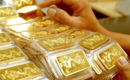 25日越南国内市场黄金价格每两接近5600万越盾 hinh anh 1