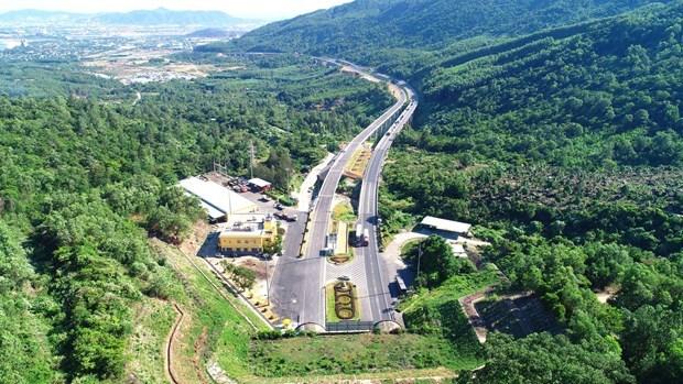 越南三大重点交通项目竣工在即 对经济社会发展意义重大 hinh anh 2