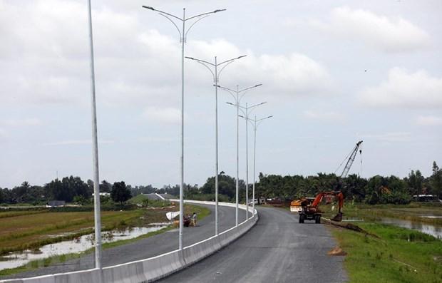 越南三大重点交通项目竣工在即 对经济社会发展意义重大 hinh anh 3