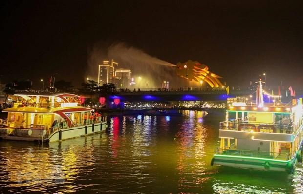 岘港市韩江夜游旅游线路重启 游客可以免费游览 hinh anh 1