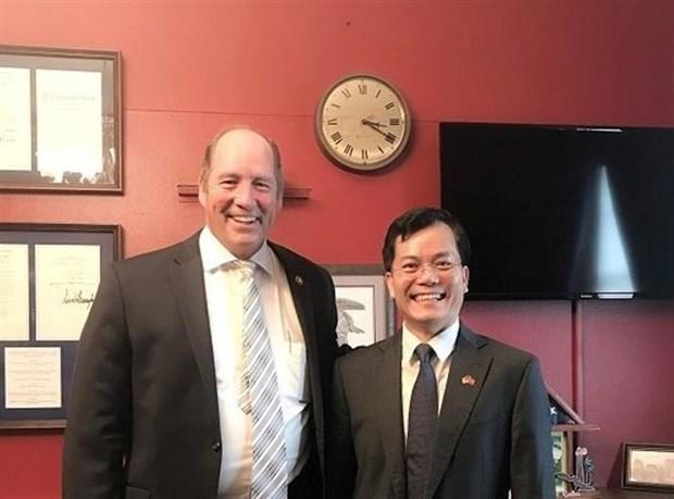 越南驻美国大使与美国共和党众议员泰德·游贺通电话 hinh anh 1