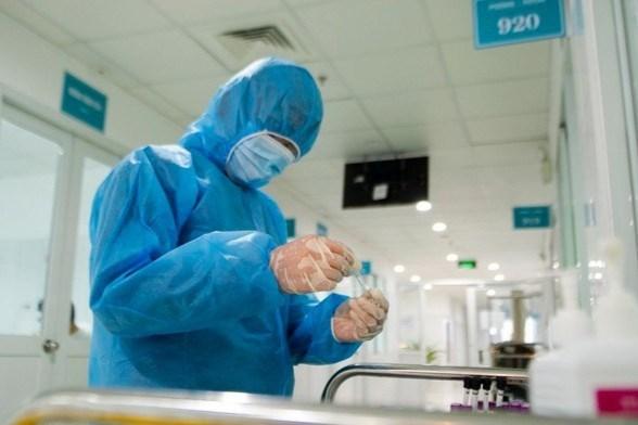 新冠肺炎疫情:出院后复阳的两名俄罗斯人病毒检测结果为阴性 hinh anh 1