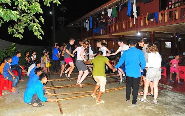 保护岱依族文化的琼山旅游村 hinh anh 3
