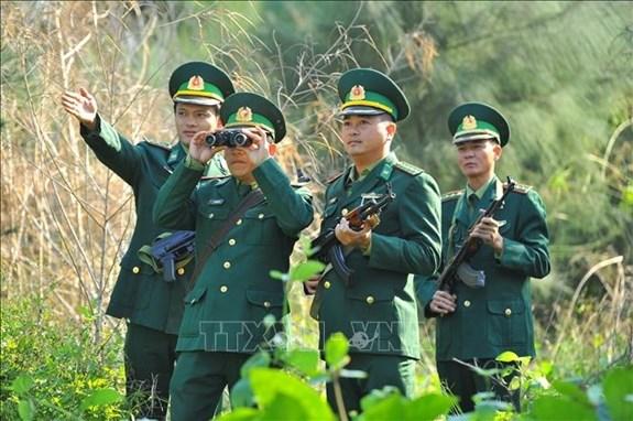 新春执勤 边防部队努力确保人民的平安生活 hinh anh 1