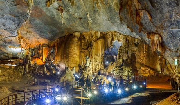 探索广平省宏伟壮观、丰富多样的钟乳石系统的天堂洞后段七公里 hinh anh 2