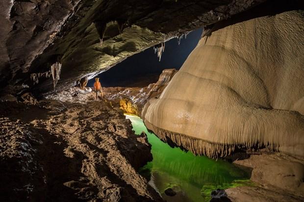探索广平省宏伟壮观、丰富多样的钟乳石系统的天堂洞后段七公里 hinh anh 3