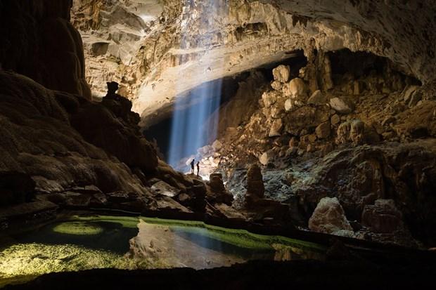 探索广平省宏伟壮观、丰富多样的钟乳石系统的天堂洞后段七公里 hinh anh 1