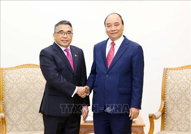 越南政府总理阮春福会见菲律宾驻越南大使 hinh anh 1