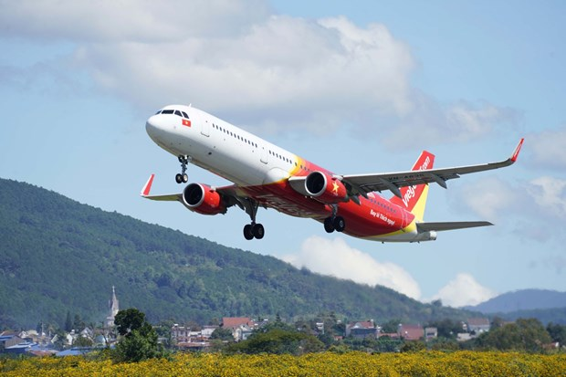 越捷推出46.8万张特价机票 迎来4·30越南南方解放日和五一国际劳动节 hinh anh 1