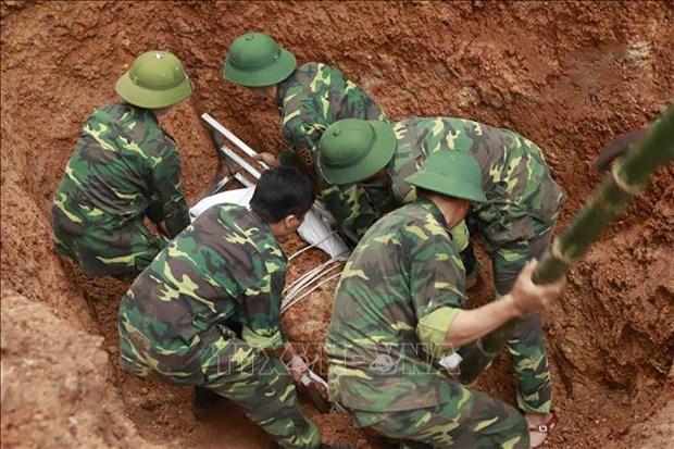 永福省成功将重达340公斤的炸弹迁移出居民区 hinh anh 1