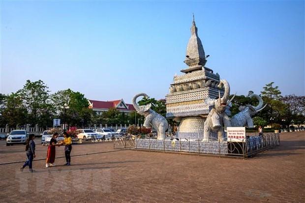新冠肺炎疫情:为在印度和老挝受疫情影响的越南公民提供支持 hinh anh 1