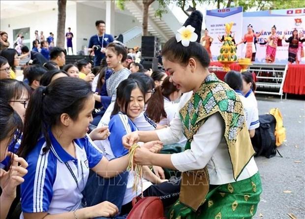 越老柬三国文化交流活动在胡志明市举行 hinh anh 1