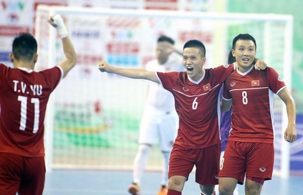 越南国家室内五人制足球队超过黎巴嫩队获得世界杯入场券 hinh anh 1