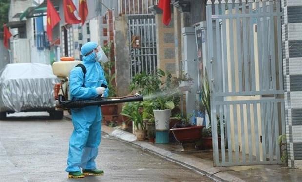 26日中午越南新增40例本土病例 为北江省高风险区的19万名工人和群众进行快速检测 hinh anh 1