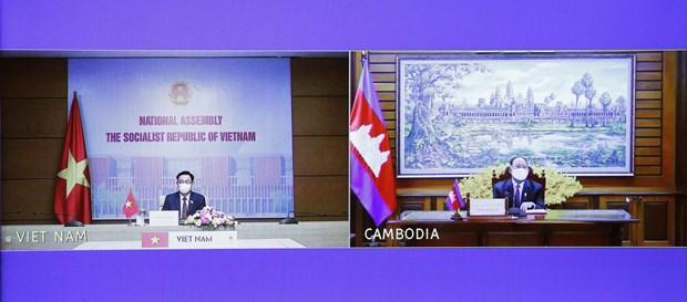 加强越南与柬埔寨全面友好合作关系 hinh anh 2