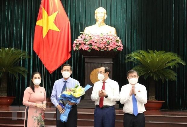 潘文买当选为2021-2026年胡志明市人民委员会主席 hinh anh 2