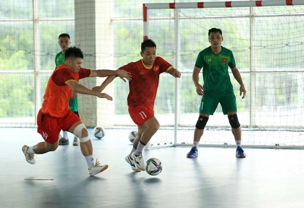 2021 年国际足联五人制足球世界杯:24日晚越南五人制足球队启程前往西班牙 hinh anh 1