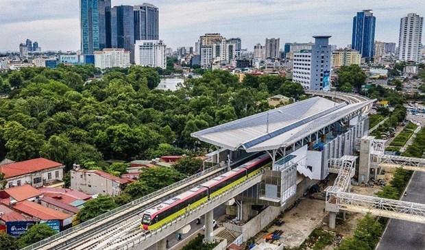 """河内市""""呠—河内站""""段自动取票机系统中各设备抵达越南 hinh anh 1"""